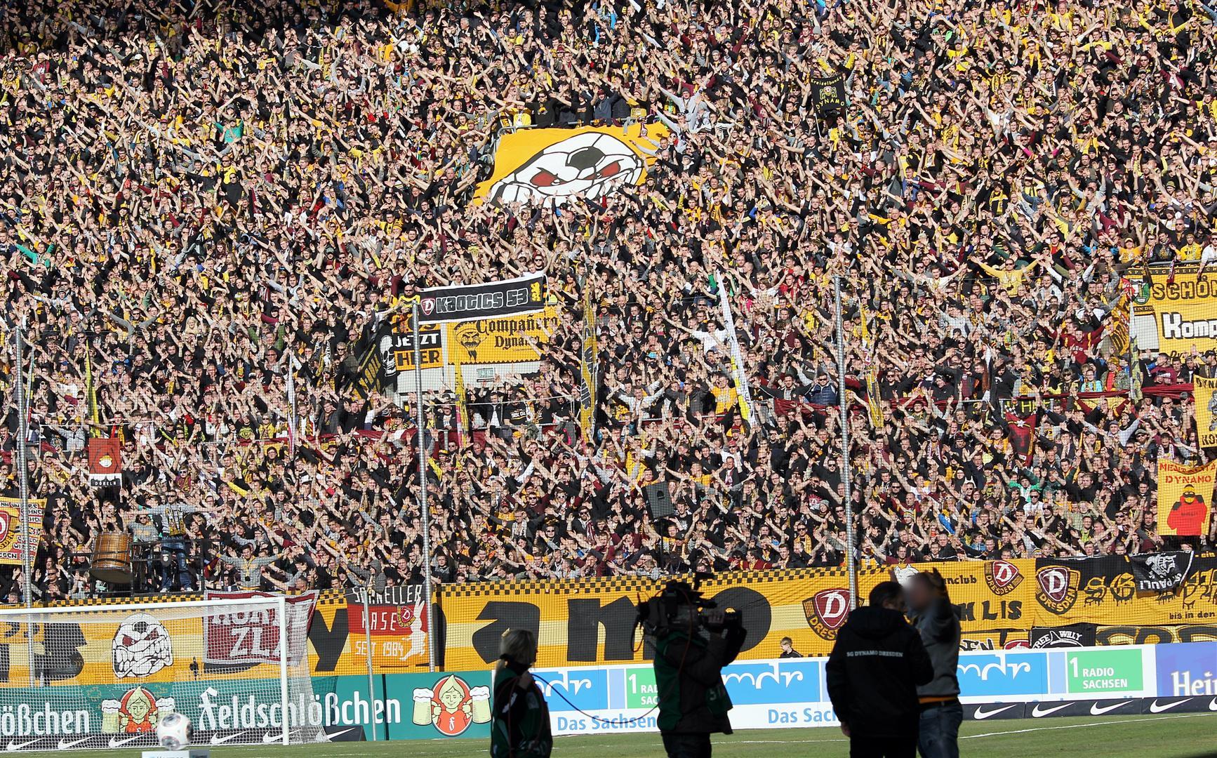 Dynamo Drezno - St. Pauli (4)